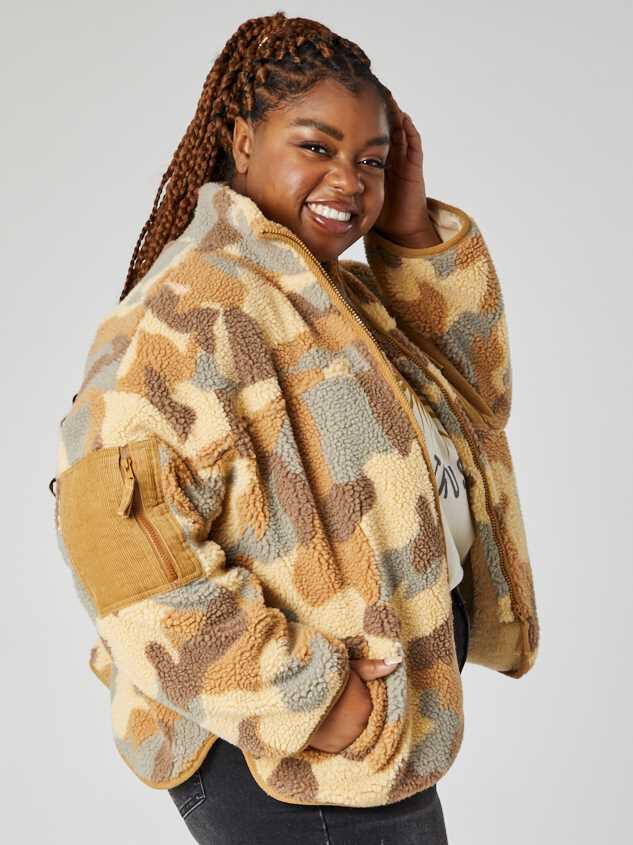 Camo Sherpa Jacket Detail 3 - A'Beautiful Soul