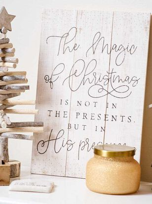 Magic of Christmas Pallet Sign - A'Beautiful Soul