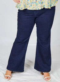 Incrediflex Star Flare Jeans Detail 3 - A'Beautiful Soul