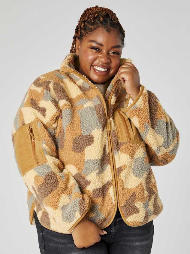 Camo Sherpa Jacket Detail 5 - A'Beautiful Soul
